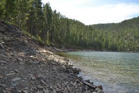 Rocky shore of Pactola Lake