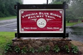 Piney River Trailhead Sign