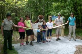 ribbon cutting at grayson highlands